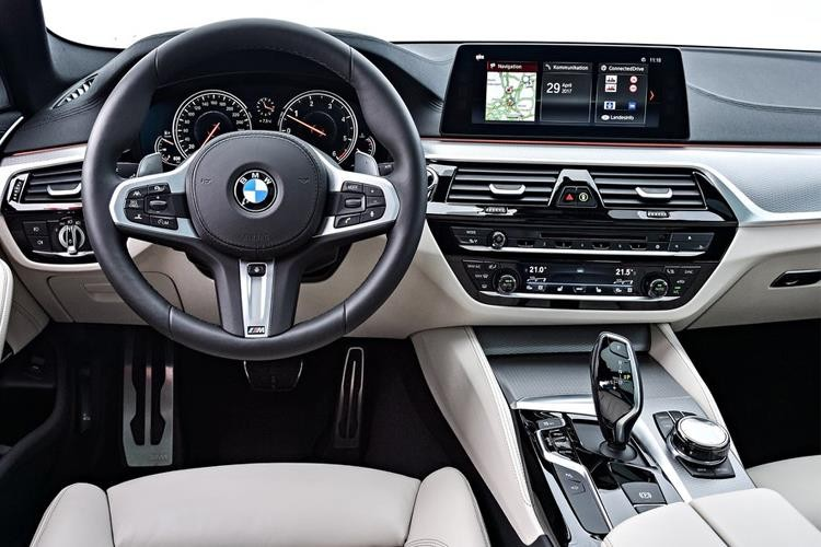 BMW 5 Series Touring 520d Touring 2.0 xDrive M Sport Auto