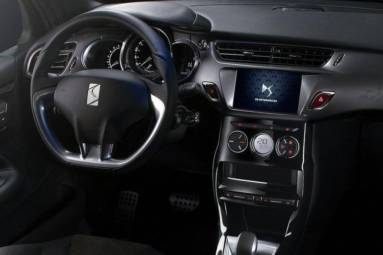 DS Automobiles 3 Hatchback DS 3 Hatch 1.6 BlueHDi Ines DE LA Fressange Start+Stop