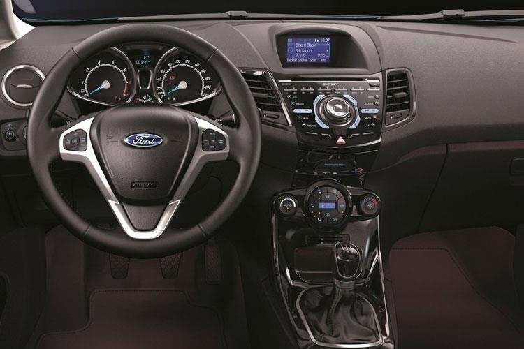 Ford Fiesta Hatchback 5 Door Hatch 1.25 82ps Zetec 122 g/km