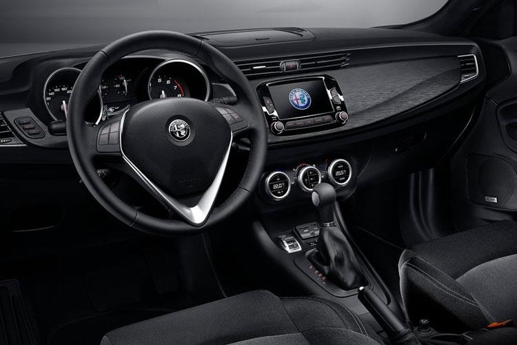 Alfa Romeo Giulietta Hatchback 1.6JTDM-2 120 Super Lusso Tct
