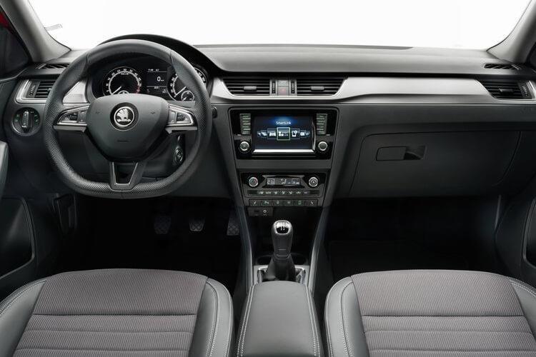Skoda Rapid Spaceback Hatchback 1.6 TDI CR 115 SE Sport