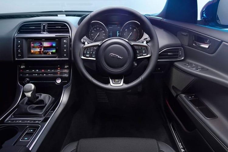Jaguar XE Saloon 2.0D 180ps SE